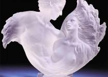 Майкл Уилкинсон и скульптуры из оргстекла