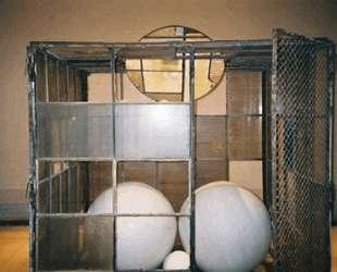 Клетка 3 (Белые мраморные шары) — Луиза Буржуа