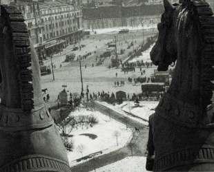Quadriga of Apollo on the front of the Bolshoi Theatre — Александр Родченко