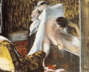 Женщина выходит из ванной — Эдгар Дега